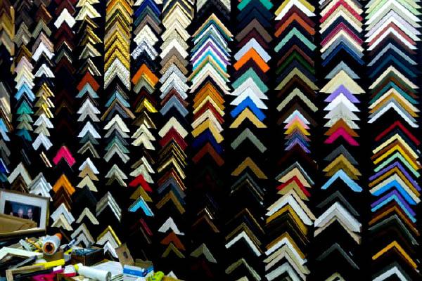 מסגור תמונות בירושלים - גלריה הדר - למעלה מ700 סוגי מסגרות.